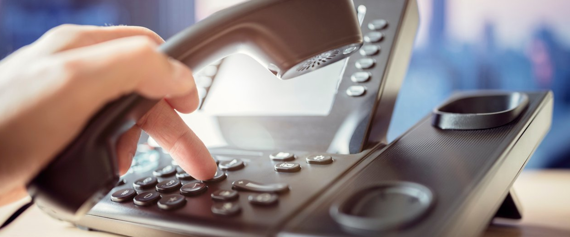 what is voip and how does voip phone service work?